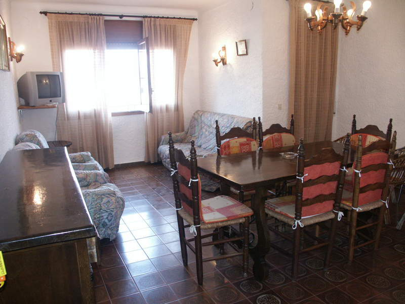 Apartament -                                       L´escala -                                       3 dormitoris -                                       6 ocupants