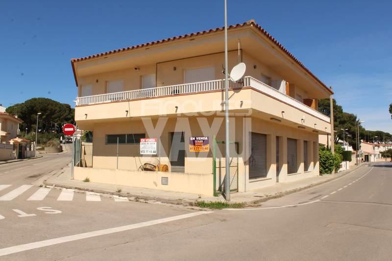 Local comercial -                                       L´escala -                                       0 dormitoris -                                       0 ocupants